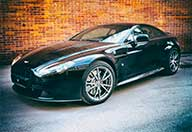 Kör Aston Martin