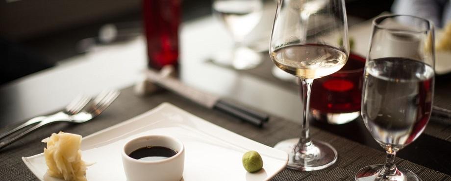 Vinprovning med mat och vin i kombination