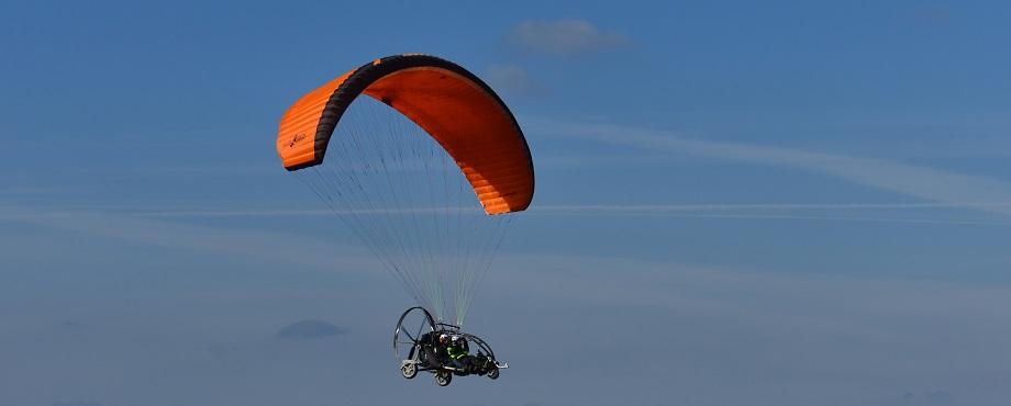 Tandemflyg med paramotor