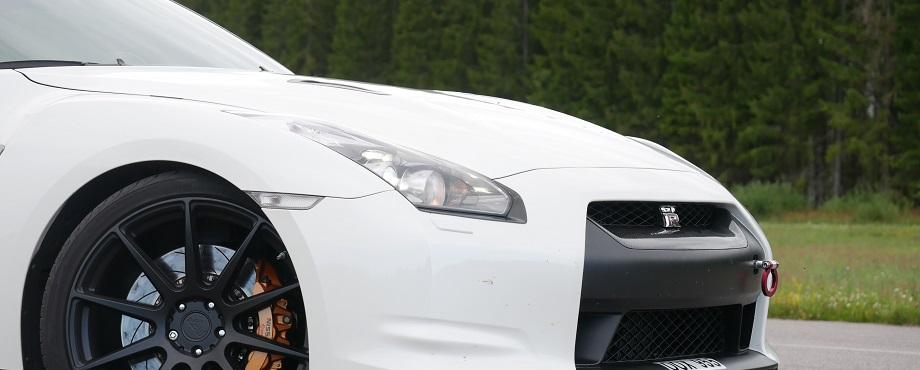Kör en av världens kvickaste bilar!