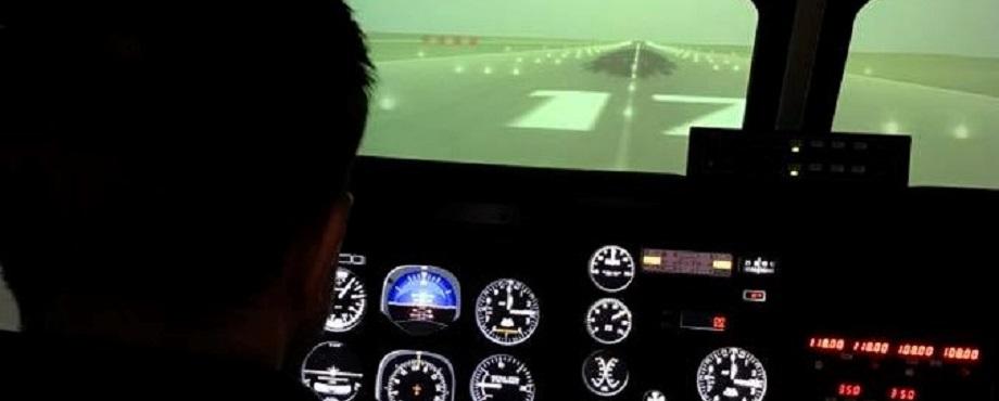 Pilot i flygsimulator