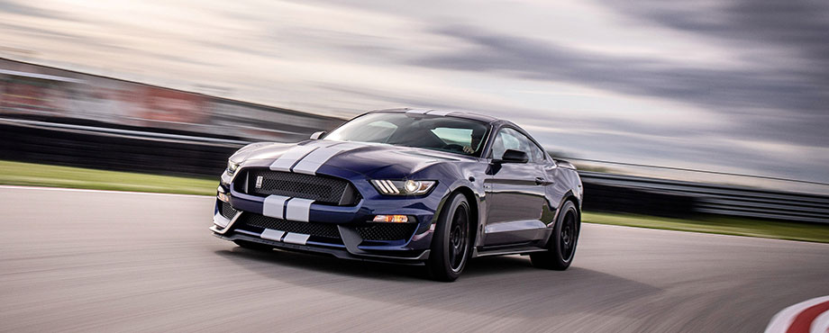 Kör Ford Mustang Shelby GT350 Plus