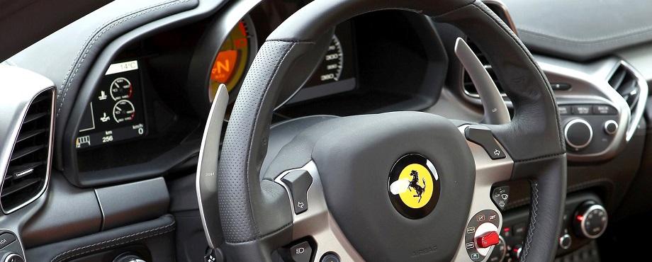 Kör ferrari och Lamborghini